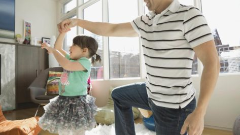 10-pop-songs-little-kids-can-dance-to-oh-and-parents-can-hang-too
